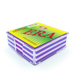 ჩასანიშნი ფურცელი ფერადი პლასმასის ყუთში